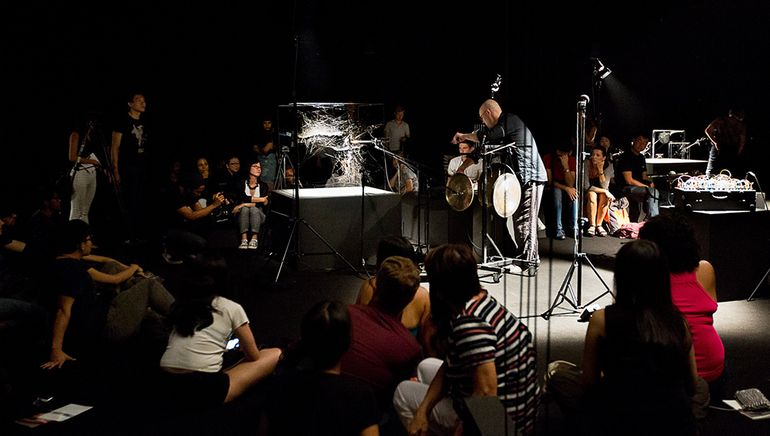 Arachnid Orchestra. Jam Sessions, at NTU Centre for Contemporary Art, Singapore, 2015.© Photography by Studio Tomás Saraceno, 2015